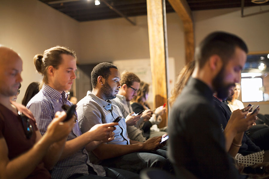 How to Stop Your Audience Being Distracted by Their Phones