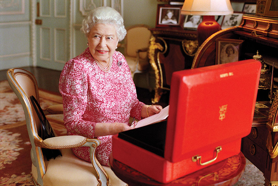 Talking with Queen Elizabeth II Taught Me a  Powerful Lesson About the Art of Conversation
